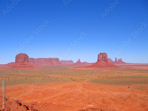 deep view and clear athmosphere, monument valley national park, #2959225