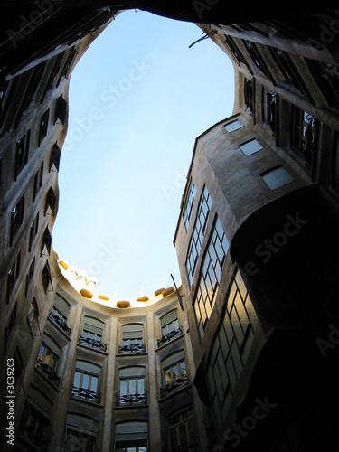 Photo  la pedrera/ casa mila - antoni gaudi architecture