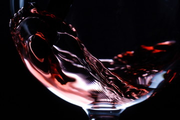 Obraz na Szkle Do jadalni closeup of red wine pouring