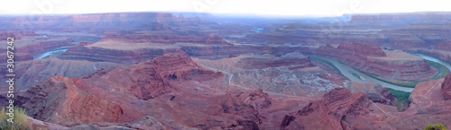 Photo Stands Candy pink dead horse point with the colorado river at the sunset, canyonla