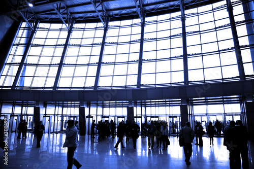 Photo sur Toile Aeroport big window in airport