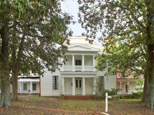 Old Plantation Bouse