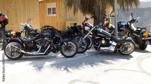 Plakaty motory   zaparkowane-motory