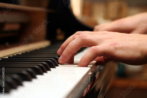 playing - 3369233