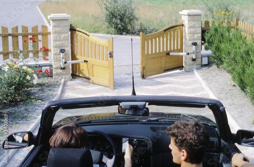 ouverture du portail depuis la voiture Canvas Print