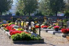 Friedhof In Enns - Gräber