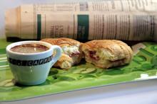 Caffè, Brioches E Notizie