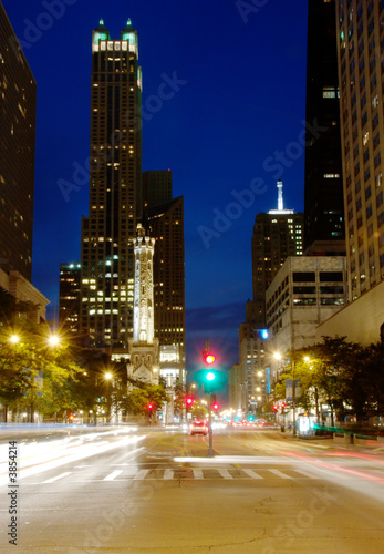 Foto op Plexiglas Chicago Michigan Ave in downtown Chicago at night.
