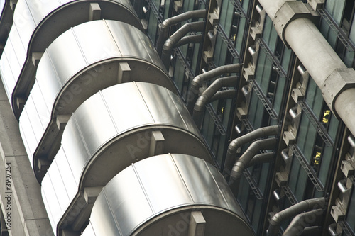 Photo  detail of the lloyds skyscraper in londons city