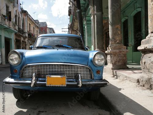 Türaufkleber Autos aus Kuba Picture of a old car in Cuba. Havana