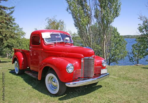 Deurstickers Oude auto s old red truck