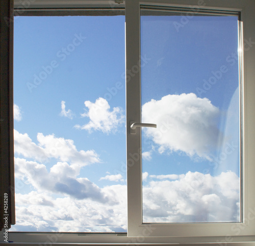 Foto-Kissen - Window and clouds