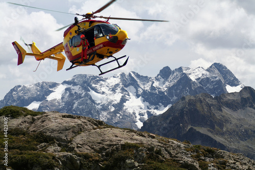 Poster Helicopter secours en montagne
