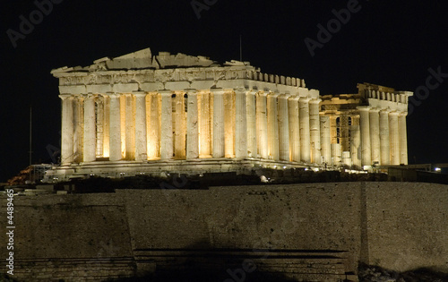Fotobehang Athene Parthenon, Acropolis in Athens by night