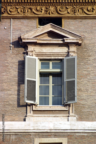 Finestra dell'Appartamento Pontificio, Vaticano Wallpaper Mural