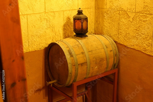 Papiers peints Affiche vintage wine barrel in a restourant