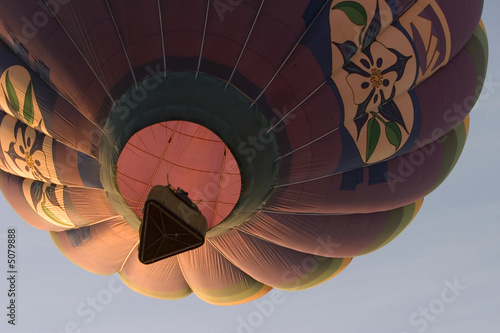 Spoed Foto op Canvas Luchtsport hot air balloon rising