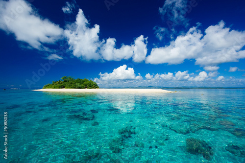 Foto-Leinwand - Tropical island vacation paradise