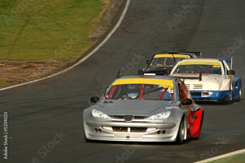 Poster Voitures rapides race cars on track