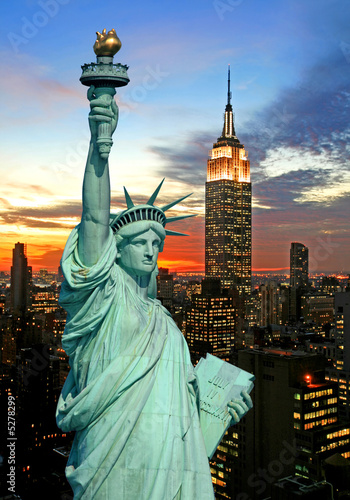 Foto-Kassettenrollo premium - The Statue of Liberty and New York City skyline (von Gary)
