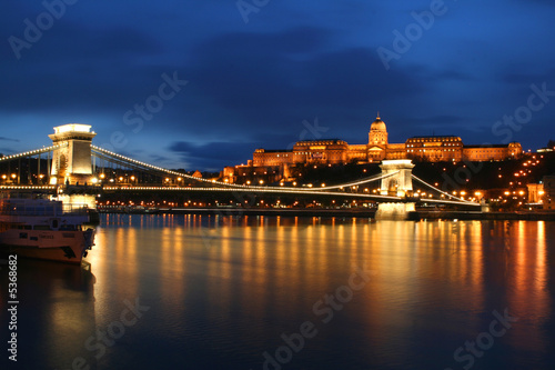 Photo  Budapest by night