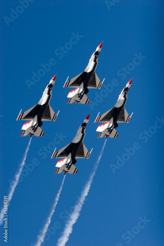 F-16 Thunderbird jets flying in formation Wallpaper Mural