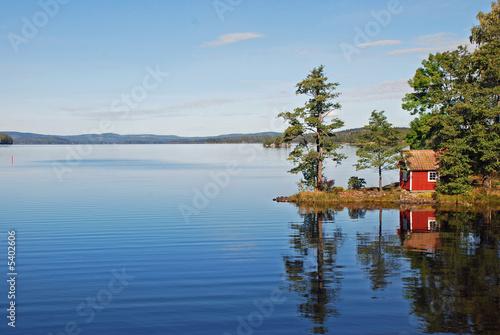 Fotografía  Reflection on still lake