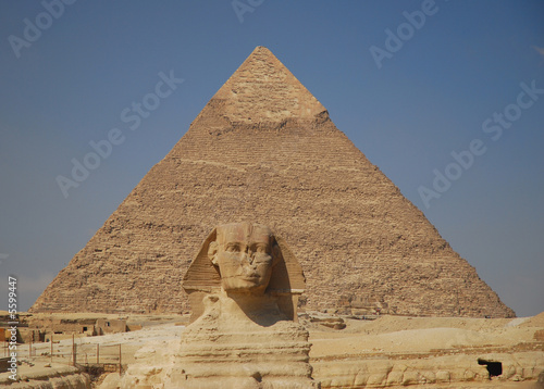 Sphinx and Pyramid of pharaoh Chephren
