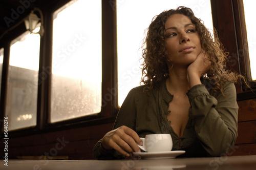 Fotografering  Ragazza con cappuccino