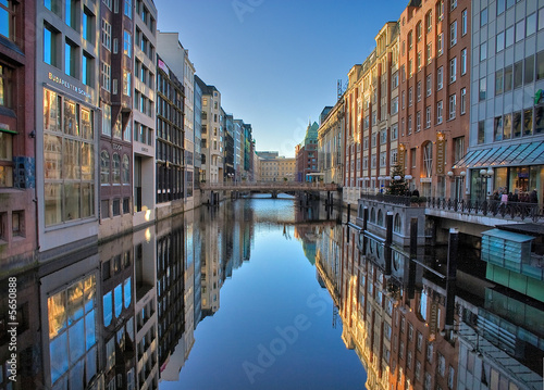 Photo sur Toile Canal Fleet in Hamburg