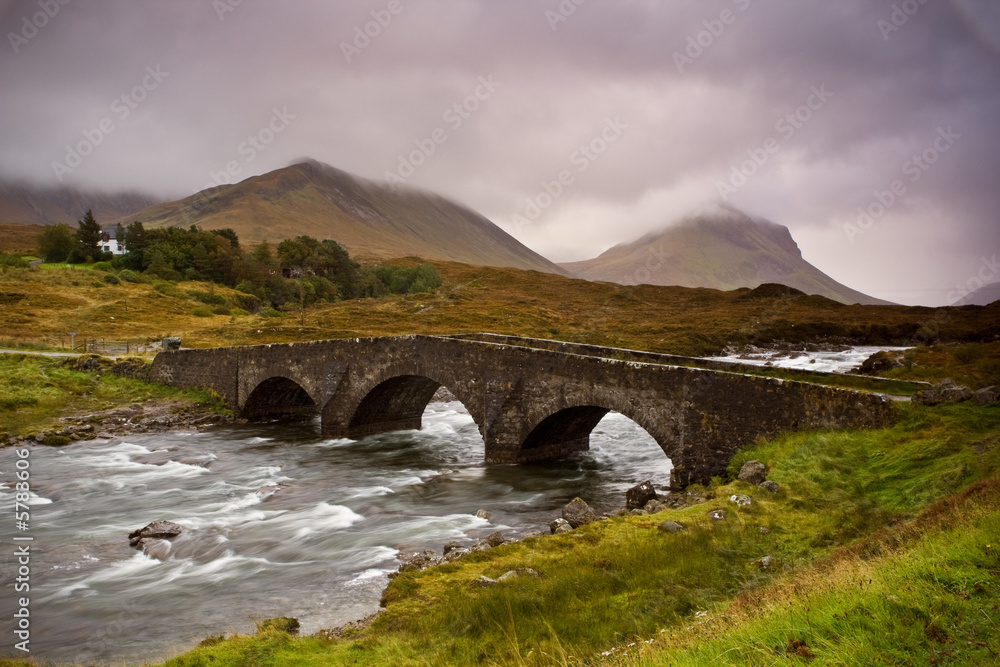 Fototapeta Bridge on Sligachan  Isle of Skye, Scotland