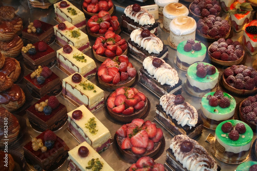 Obraz na plátne Pastry Display in Paris, France