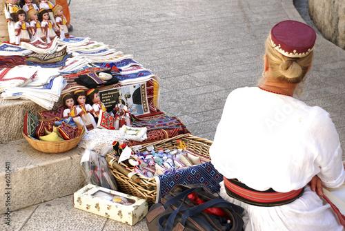 venditrice di souvenir in vestito tipico di Dubrovnik - Buy this ... d2803e1fb5c