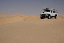 Geländewagen In Der Wüste