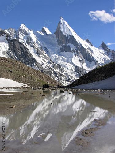 Foto auf Gartenposter Reflexion Karakorum, Laila Peak