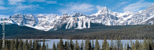 Spoed Foto op Canvas Canada Panoramic view on Rocky mountains in Canada