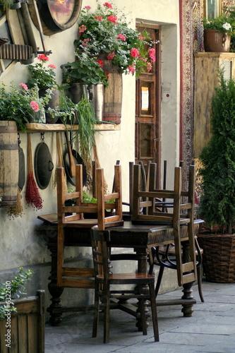 staroswiecka-stylowa-restauracja-po-godzinach