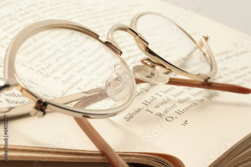 Photo  Eyeglasses on the Shakespare's book