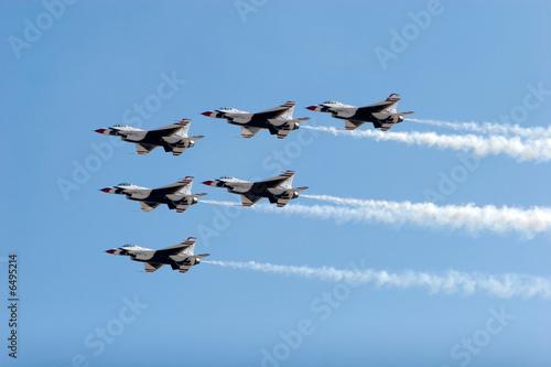 Fotografia, Obraz F-16 Thunderbird jets flying in formation