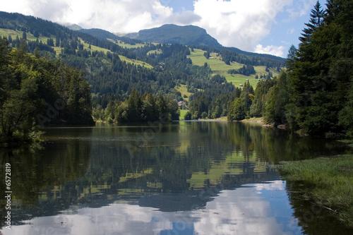 Tuinposter Blauwe hemel Chapfensee,Switzerland
