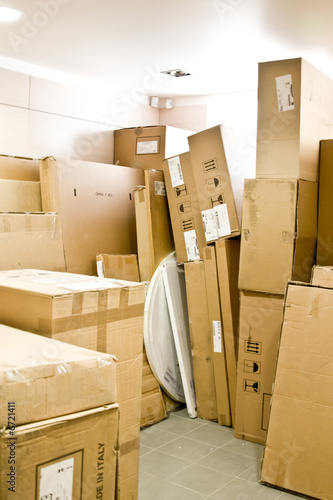 Photo Cardboard boxes in a warehouse