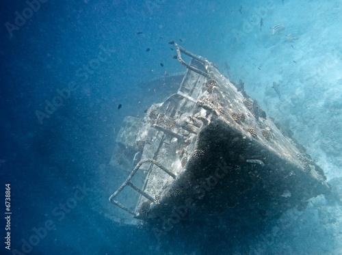 Photo Stands Shipwreck Sunken ship