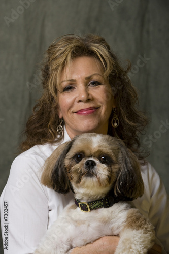 Poster Animaux de Hipster Mature woman and her Dog