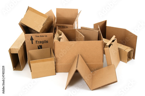 Fotografía  Pile of used cardboard boxes