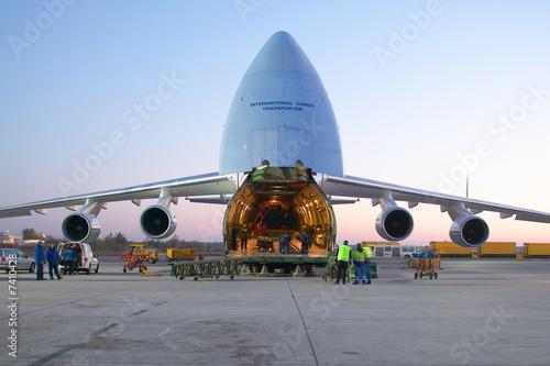 Fotomural  Transportflugzeug Antonov