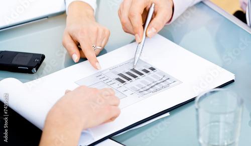 Fototapety, obrazy: Diagram on table