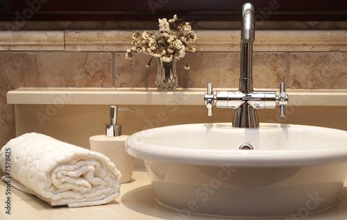 Fotografía  Beautiful sink in a bathroom