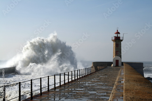 Photo sur Toile Phare lighthouse in oporto