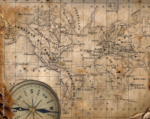 Papiers peints Retro Ancient map of the world. Compass
