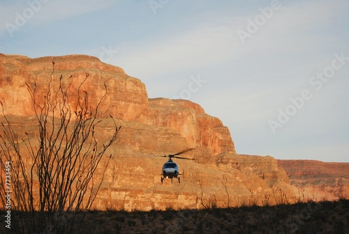 Photo  Helicopter landing at Grand Canyon 2